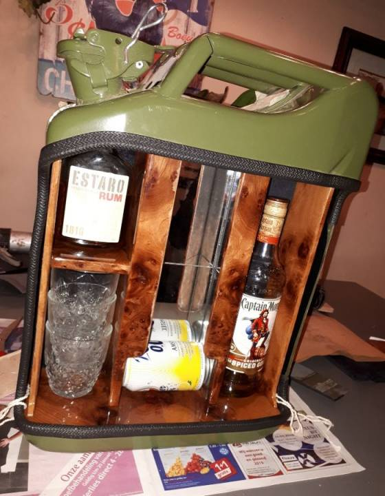 Eindresultaat jerrycan bar