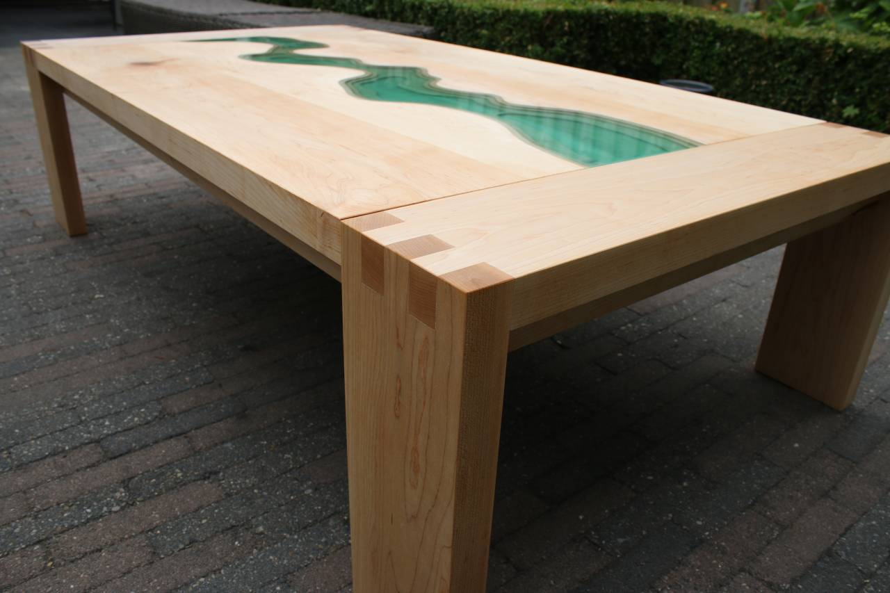Menno river table variant
